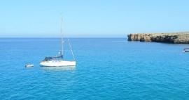 Velero en Menorca