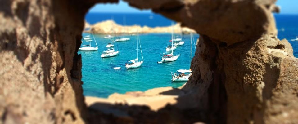 La Cala Pregonda es de las más espectaculares de Baleares