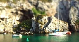 Fondeados en Cales Coves